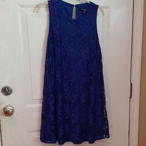 3/$25 Sharagano Lace sleeveless Navy blue mid